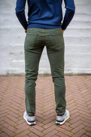 Carrera jeans groen achterkant