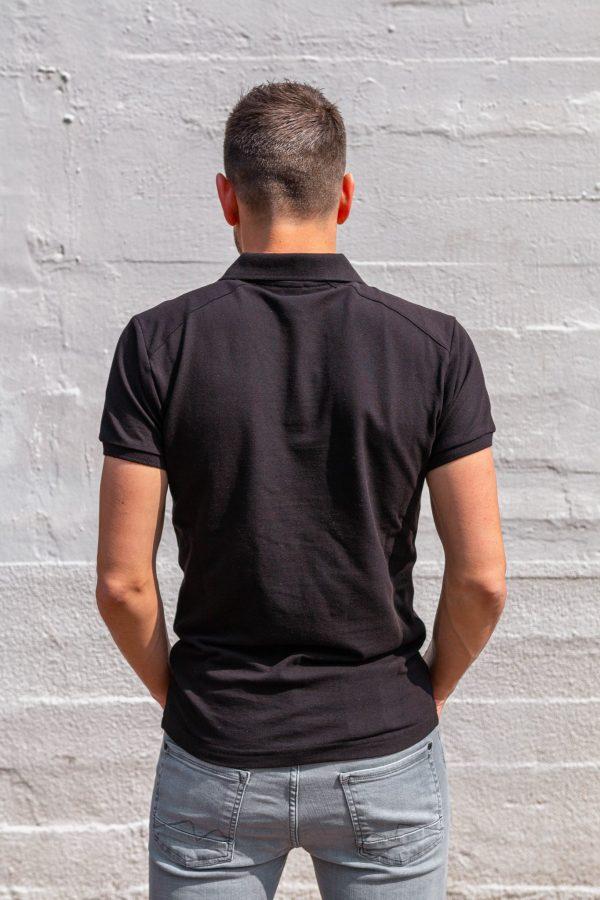 Polo zwart achterkant