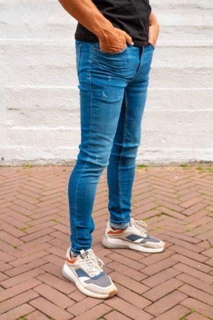 Skinny jeans zijkant